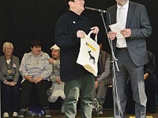 Lebendige Kunstsommer-Ausstellung endete mit Theateraufführung
