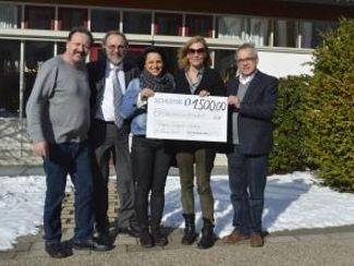 Schlenk spendete 1.500 Euro