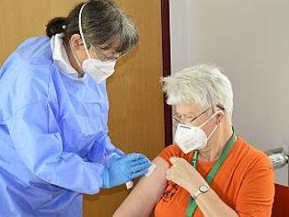 Erste Impfungen verliefen reibungslos